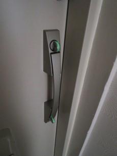 プッシュプル&ダブルキーのドア
