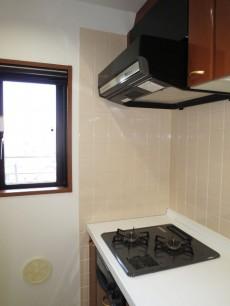スカーラ四谷 キッチンにも窓があります