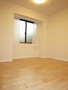 約4.2帖の洋室