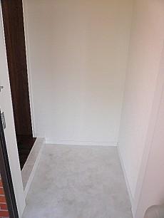 ホワイトな玄関ホール