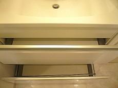 マンション第二恵比須苑 洗面化粧台の収納