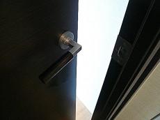 深沢ハウス LDKへの扉