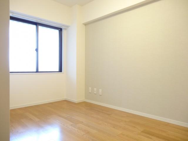 サンセピア幡ヶ谷 約5.0畳の洋室
