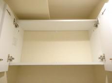 ライオンズマンション半蔵門 トイレ上の収納