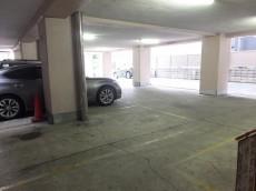 メゾン・ド・エビス 駐車場
