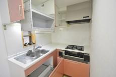 セボン世田谷桜 2階キッチン収納