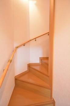セボン世田谷桜 2階~3階階段