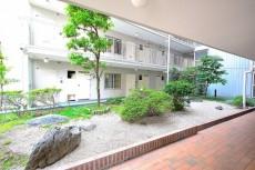 神楽坂ハウス 中庭