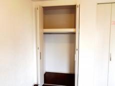 メゾンドール本郷 洋室約5.3帖収納
