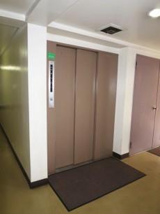 常磐松サマリヤマンション エレベーター