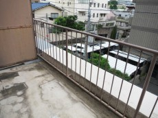 常磐松サマリヤマンション ほぼ南向きのバルコニー