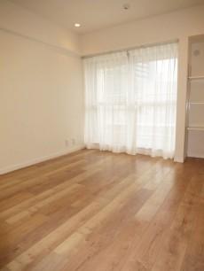バロール代々木 約6.5帖の洋室