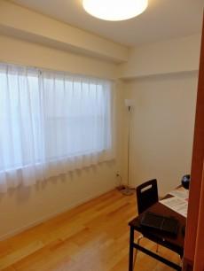 第一東個マンション 洋室1