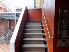 キャッスル花井 外階段