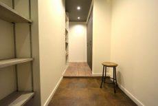 ファミール西新宿904 玄関