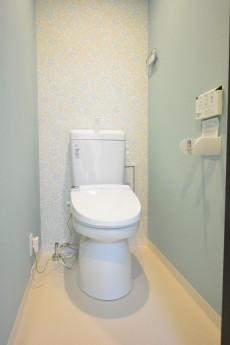 マンション池尻 ウォシュレット付きトイレ