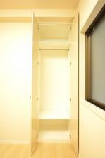 4.0帖のベッドルーム クローゼット