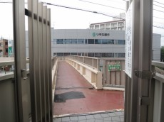 エクセル南品川 歩道橋入口
