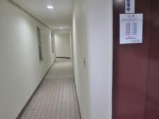 ハイツ神田岩本町 1F廊下