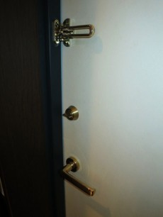下落合南デュープレックス 玄関ドアの鍵部分