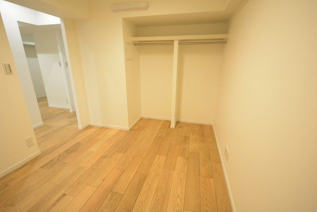 ストークマンション新宿 洋室