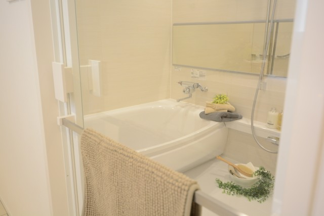 フアミール久堅 浴室