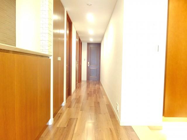 ザ・ドチェスター六番館 中廊下