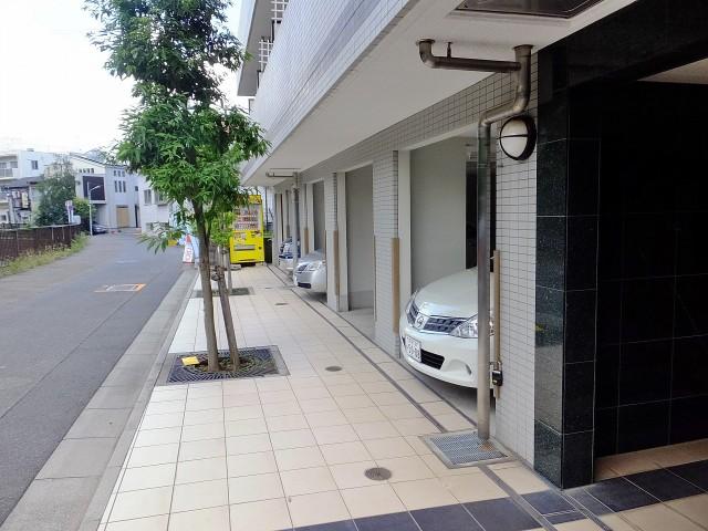ヴィータローザ新江古田 駐車場