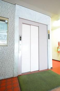 シャンボール新中野 エレベーターホール
