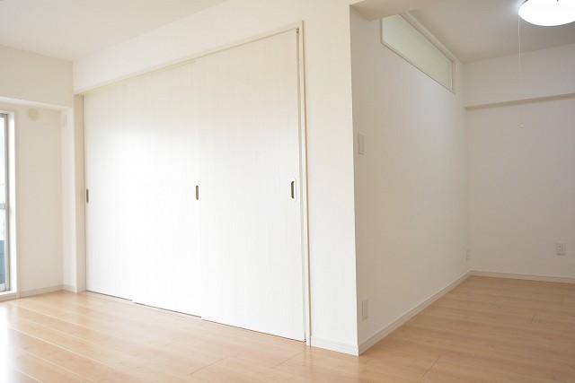 ライオンズマンション南平台 洋室の扉