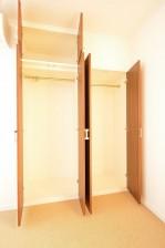 ヴァンヴェール南平台 4.88帖のベッドルーム クローゼット