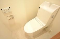 ライオンズマンション赤堤第2 ウォシュレット機能付きトイレ106