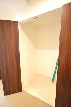 ヴァンヴェール南平台 廊下収納スペース501