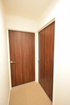 ヴァンヴェール南平台 ベッドルームのドア501