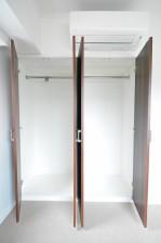 ヴァンヴェール南平台 4.9帖のベッドルーム クローゼット