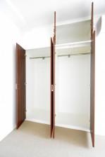 ヴァンヴェール南平台 4.88帖のベッドルーム 収納