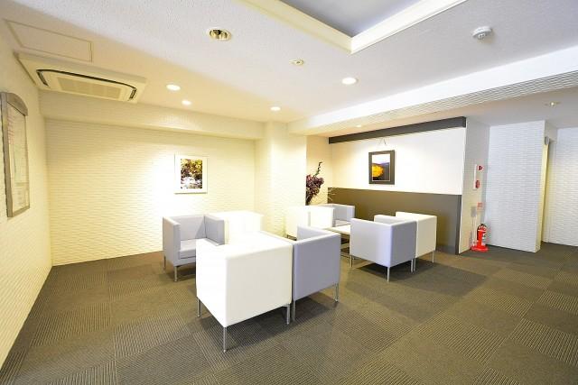 ニューシティアパートメンツ市谷加賀 エントランスホール
