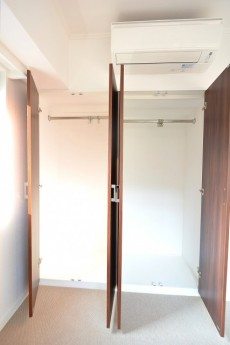 ヴァンヴェール南平台 4.9帖ベッドルームのクローゼット501