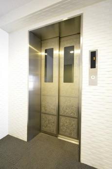 ニューシティアパートメンツ市谷加賀 エレベーター