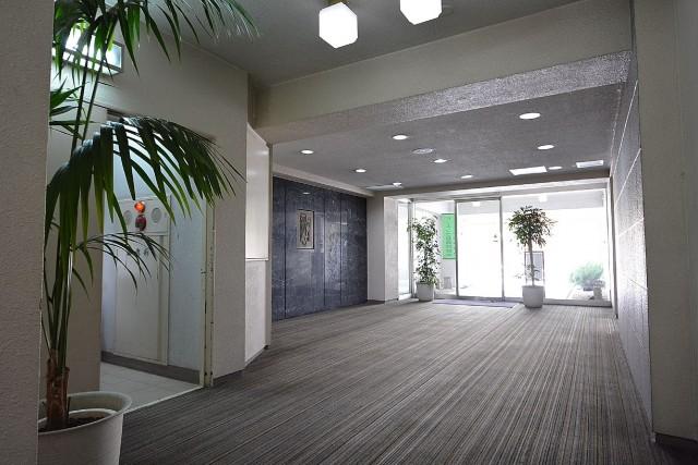 メゾンベール成城 エントランスホール