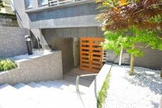 ニューシティアパートメンツ市谷加賀 エントランス