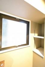 南青山セピアコート キッチン窓