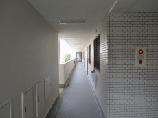 ライオンズマンション西永福 3F廊下