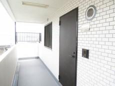 ライオンズマンション西永福 玄関