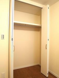 音羽ハウス 5.0帖のベッドルーム クローゼット