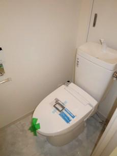 ディアライフ大塚 ウォシュレット付のトイレ
