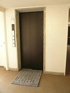 ロワイヤル碑文谷 エレベーター