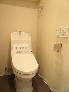 ウォシュレット付トイレ