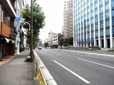 近鉄ハイツ魚籃坂 桜田通り