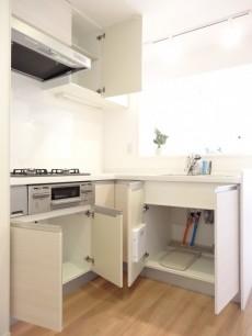 ガーデンハウス L字型のキッチン